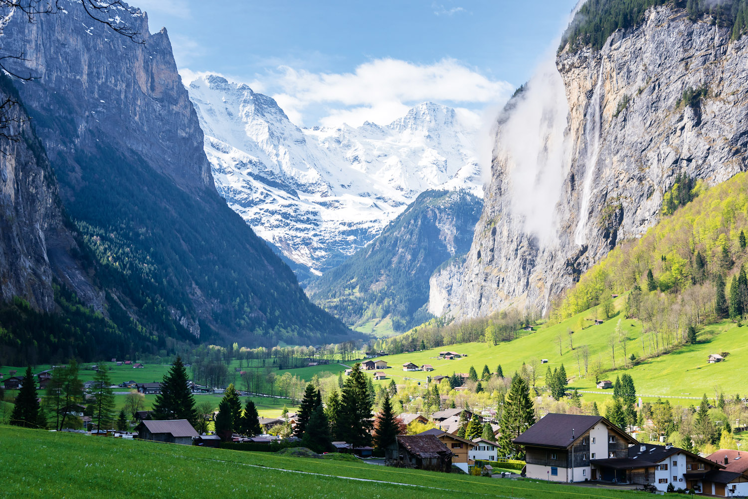 The ultimate road trip through the Swiss Alps ...