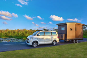 The Delnomad tiny house in action